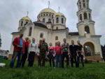 Активисты Центра православной молодежи подготовили территорию храма к Празднику Светлой Пасхи