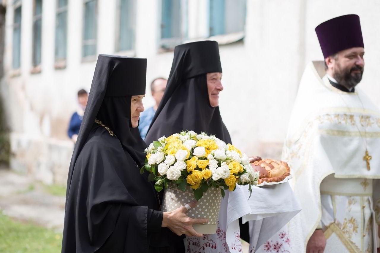 Архиепископ Феофилакт возглавил престольные торжества в бывшем Спасо-Преображенском монастыре (blago-kavkaz.ru)