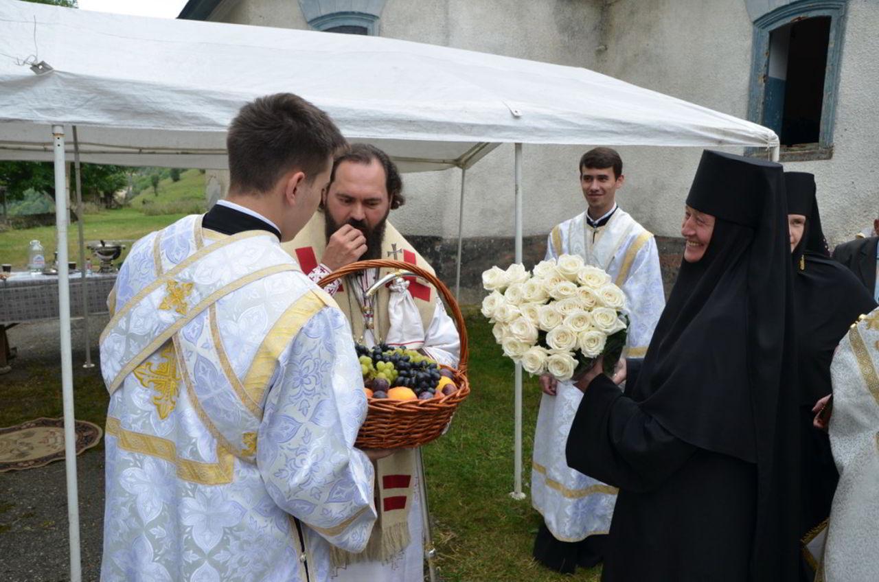 Архиепископ Феофилакт возглавил престольные торжества в бывшем Спасо-Преображенском монастыре (blagoug.ru)