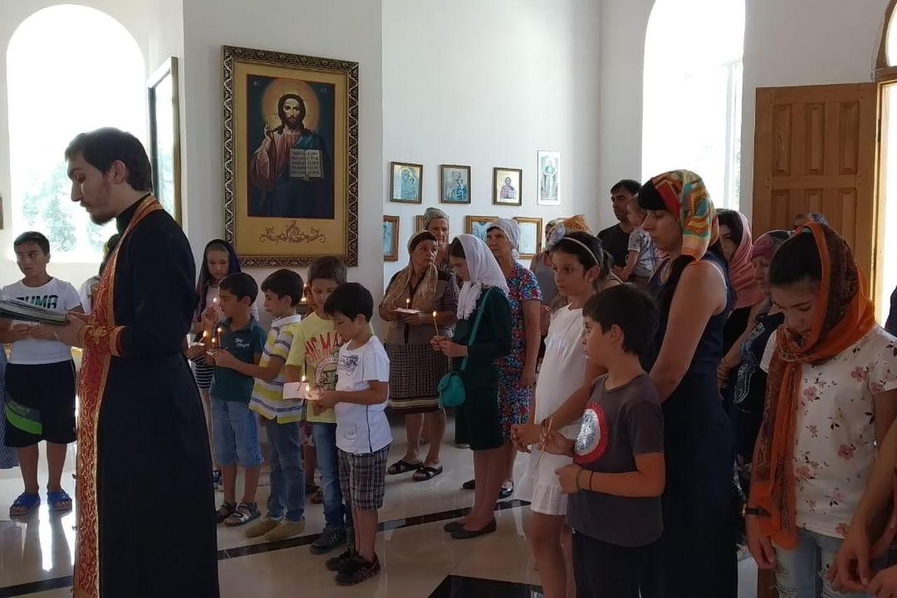 В храмах Пятигорской епархии начались молебны об учащихся