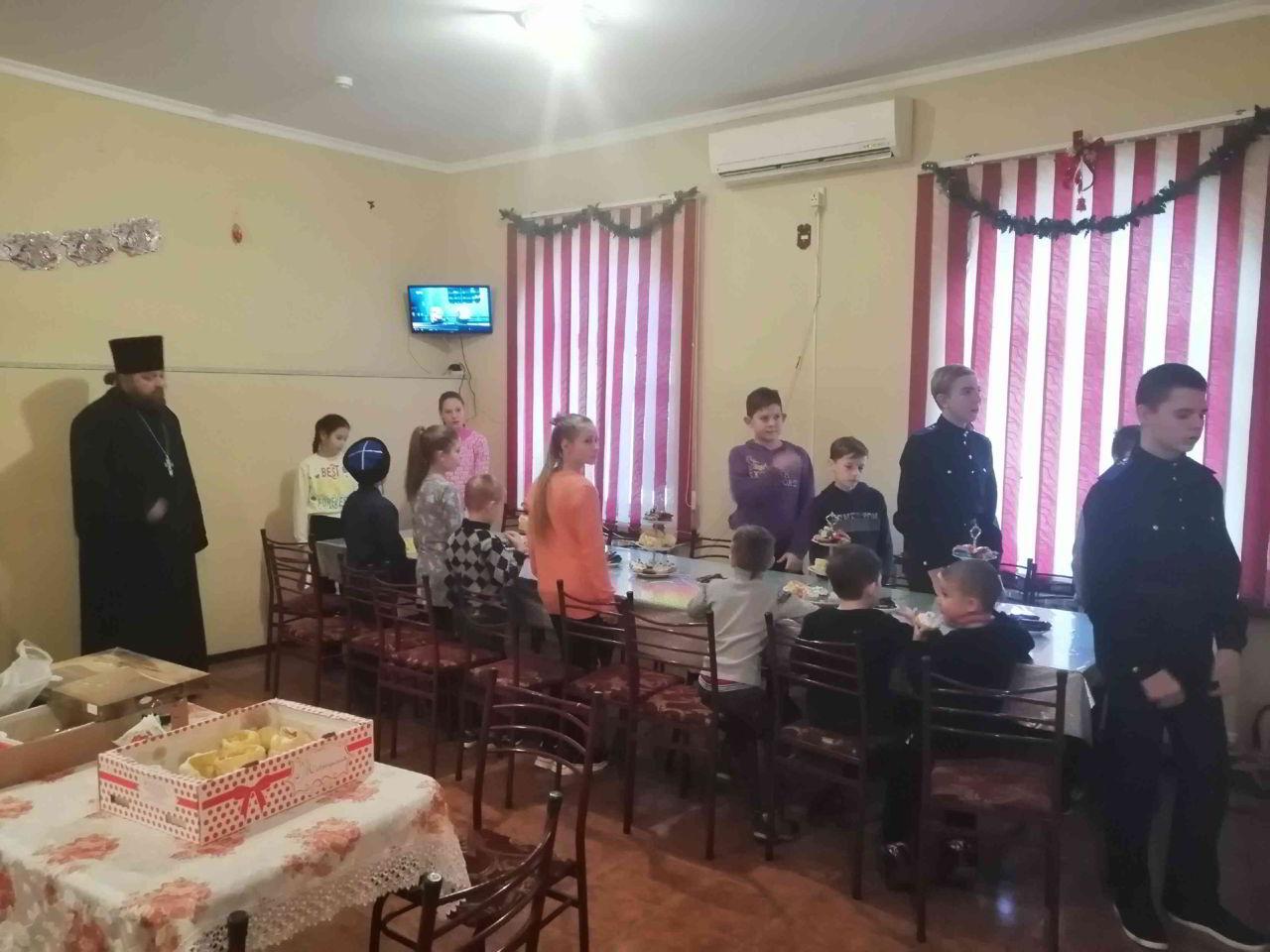 В станице Котляревской провели казачью ёлку
