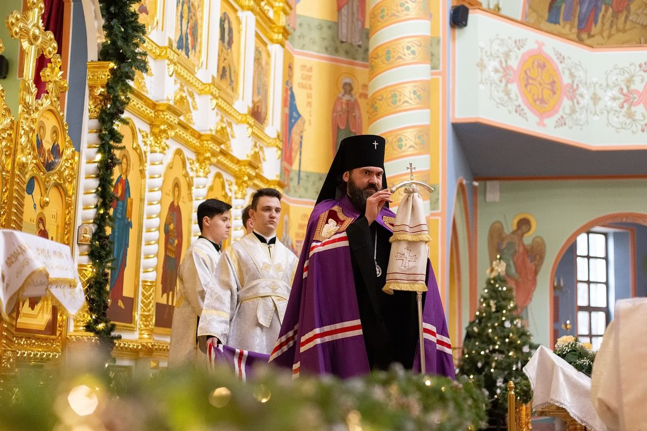 Архиепископ Феофилакт совершил литургию в Нальчике