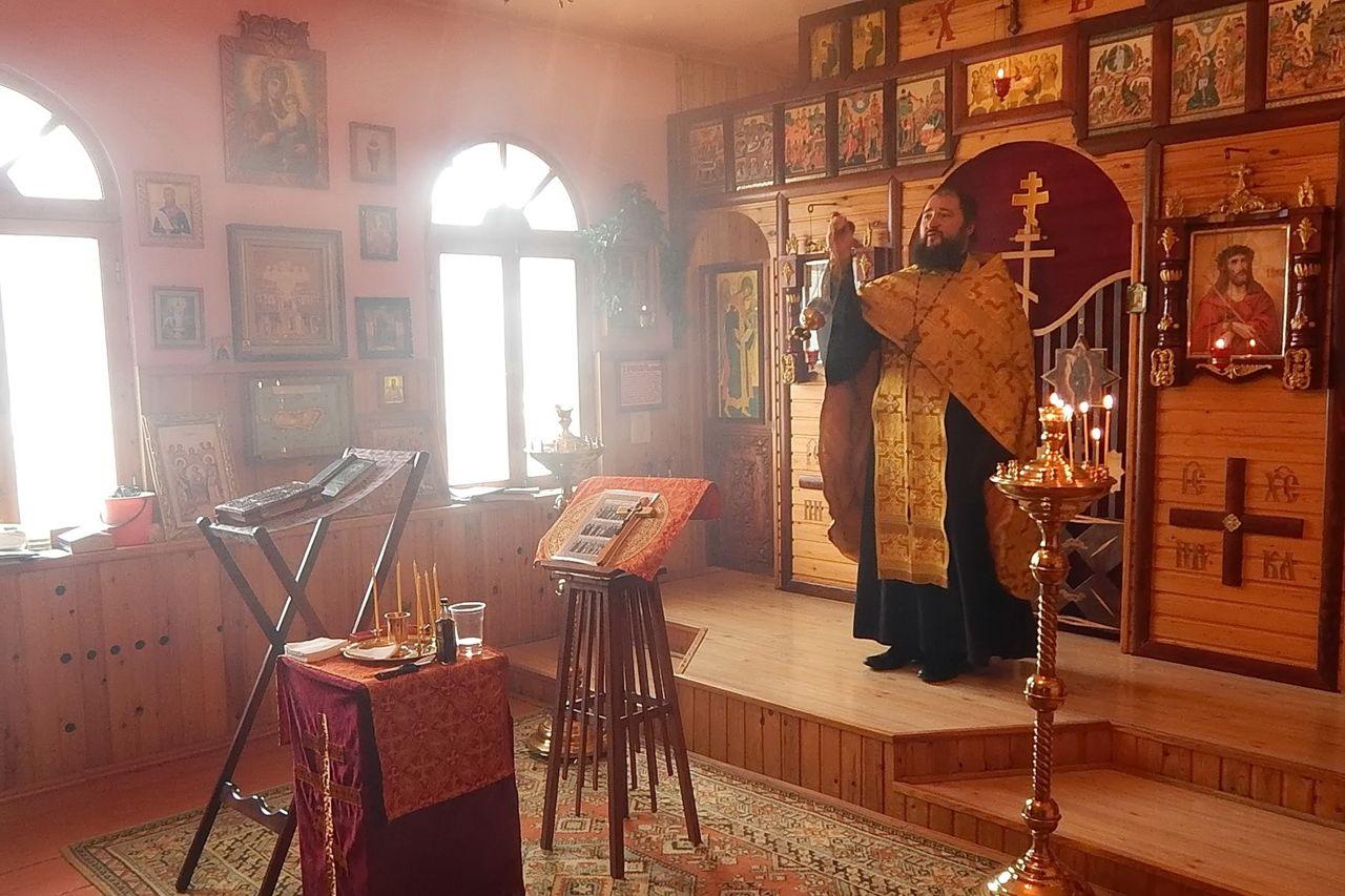 В храме исправительной колонии состоялось соборование